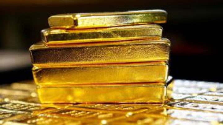 Gold set for best week in over eight years on coronavirus fears